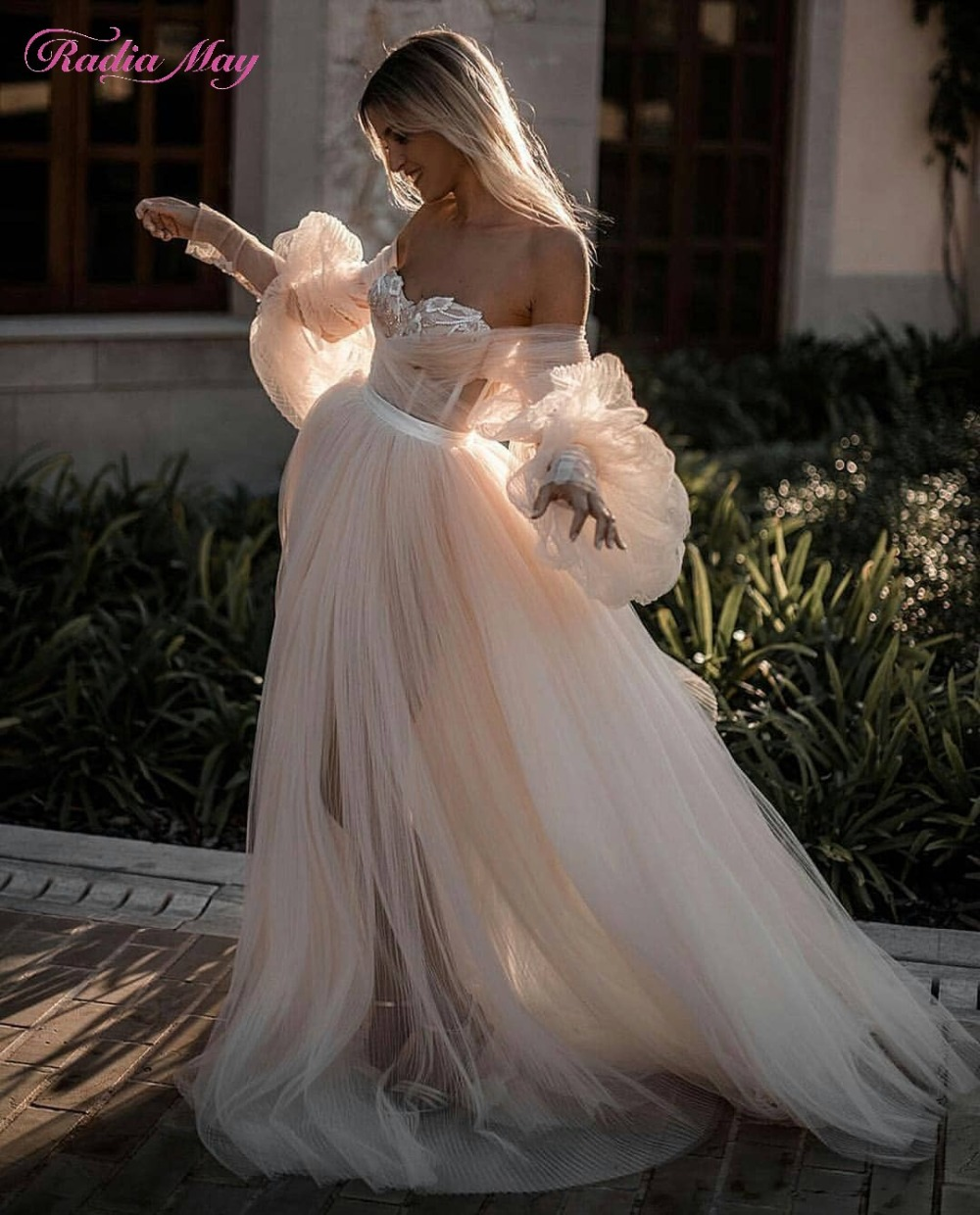 Vintage Lace Long Sleeves Boho Beach Wedding Dress 2019 Off Shoulder Sweetheart Champagne Tulle Bohemian Country