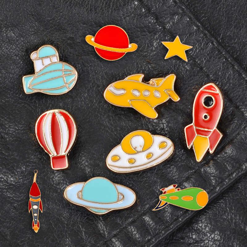 Strumento di volo Spilli Dirigibile Razzo Aeromobili UFO star Spille Distintivi e Simboli Zaino Smalto Spilli Per Il Settore Aerospaziale tifosi del Regalo di commercio all'ingrosso Dei Monili