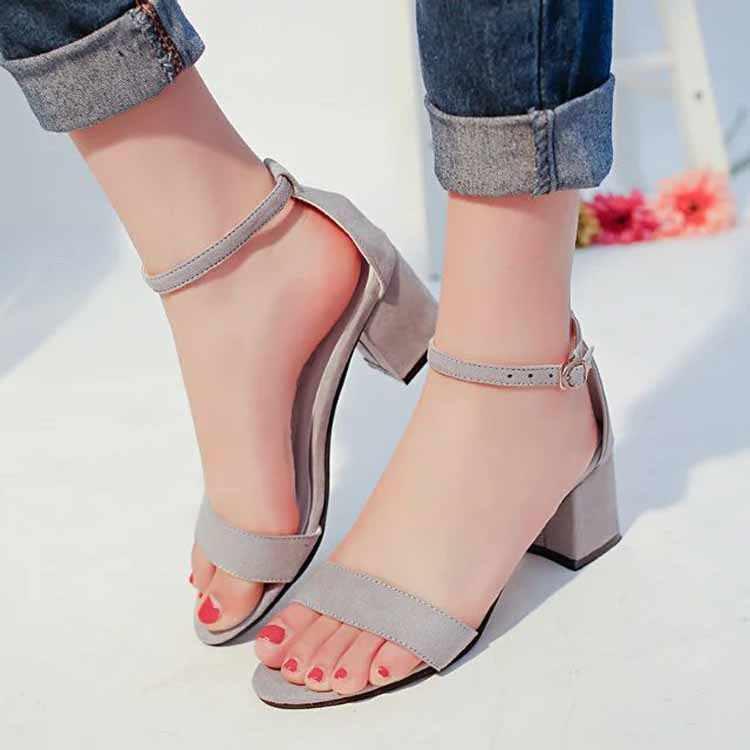 夏のファッションの女性サンダル女性の夏の靴セクシーなハイヒールのサンダル