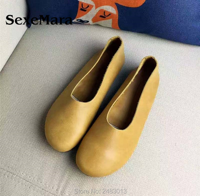 9d7cdd7c100a5 SexeMara Handmade Women Genuine Leather Shoes Simple style soft Cowhide  brown flat Ladies Shoes Comfortable Driving