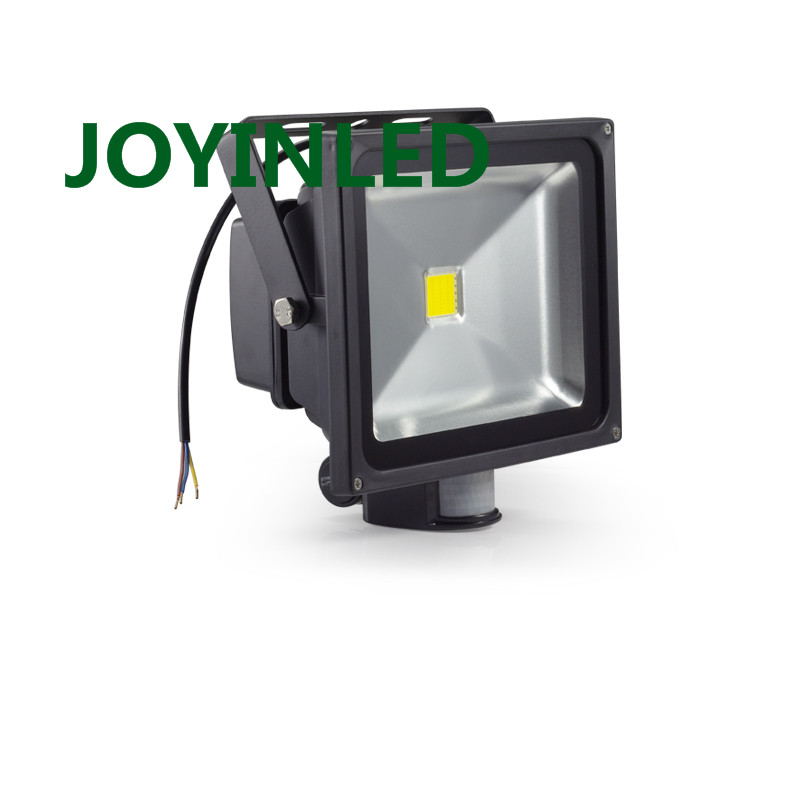Vente chaude 10 W 30 W 50 W A MENÉ la lumière D'inondation PIR Motion Capteur AC85-265V led lampe étanche éclairage extérieur LED Projecteurs