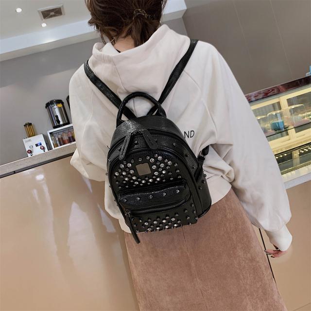 2019 Fashion small Women Backpack High Quality pu leather rivet Backpacks for Teenage Girls Female School Shoulder Bag Bagpack