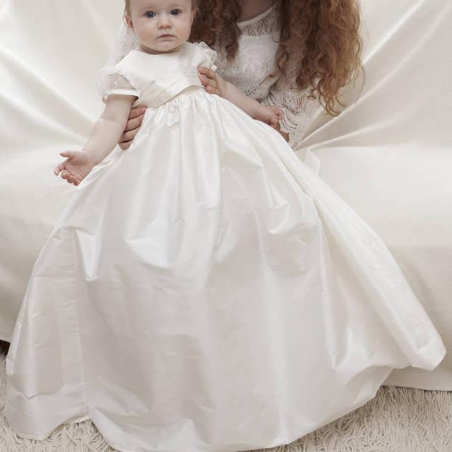 cf7a8eced985d العاج فساتين بأكمام قصيرة شاح الطابق طول الرضع التعميد التعميد ثوب طفل ثوب  جوهرة العنق مخصص