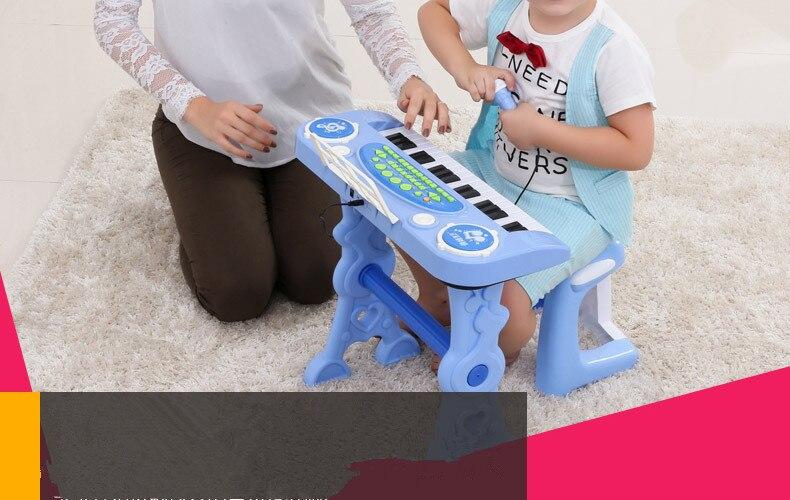 crianças brinquedo instrumento musical aprendizagem educação