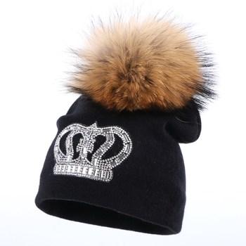 Corona del bebé sombreros de invierno los niños visón pompom skullies 0-2  años Niño niña gorros lindo algodón colorido lujo niños gorro sombrero b9dd57af7c9