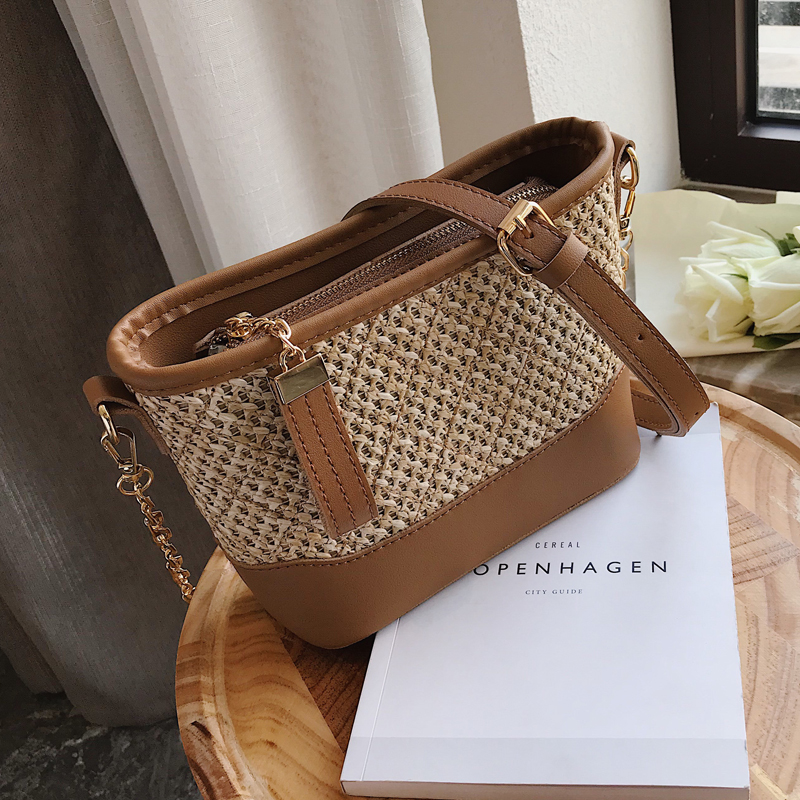 Luxury Chains Straw Handbag 2019 Summer Fashion New High Quality Straw Beach Messenger Bag Women's Designer Shoulder Bags Purses