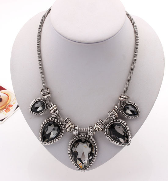 Necklace Crystal and Alloy