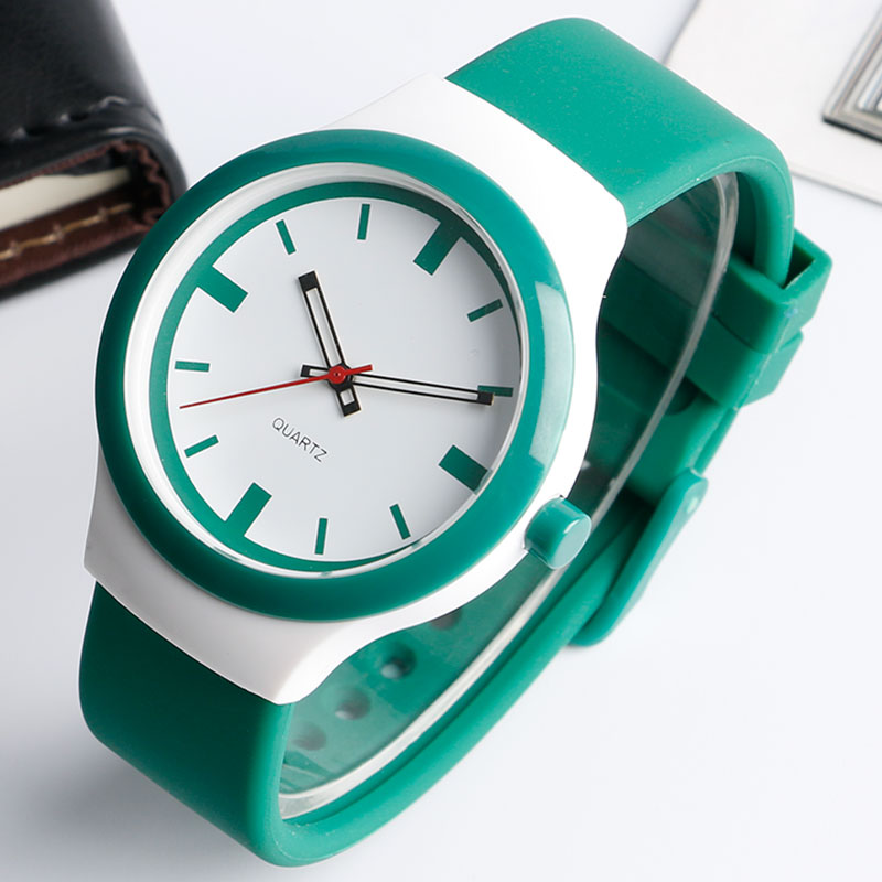 Fashion Green Quartz Watches with Silicone Band for Men Women Casual Water Proof Dress Wristwatch Christmas Gift relojes montr 2016 fashion lady wrist watch casual silicone watches with quartz unisex wristwatches for men women gift silicona children mujer