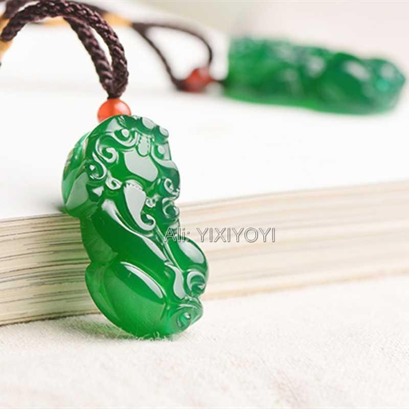 Menawan Pekerjaan Tangan Alami Putih Hijau Merah Batu Akik Giok Ukiran Cina Lucu Pixiu Keberuntungan Liontin + Kalung Tali Fine Jewelry