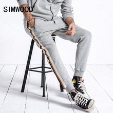 SIMWOOD ブランドのスウェットパンツ男性 2019 秋のファッションのスポーツジョガーパンツメンズパンツカジュアルストライプ厚いスウェットパンツ男性 180624