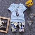 (2 pçs/set) menino curto Conjunto de Roupas de Marca crianças Roupas definir 100% Algodão de vidro impresso Tee Camuflagem calças curtas