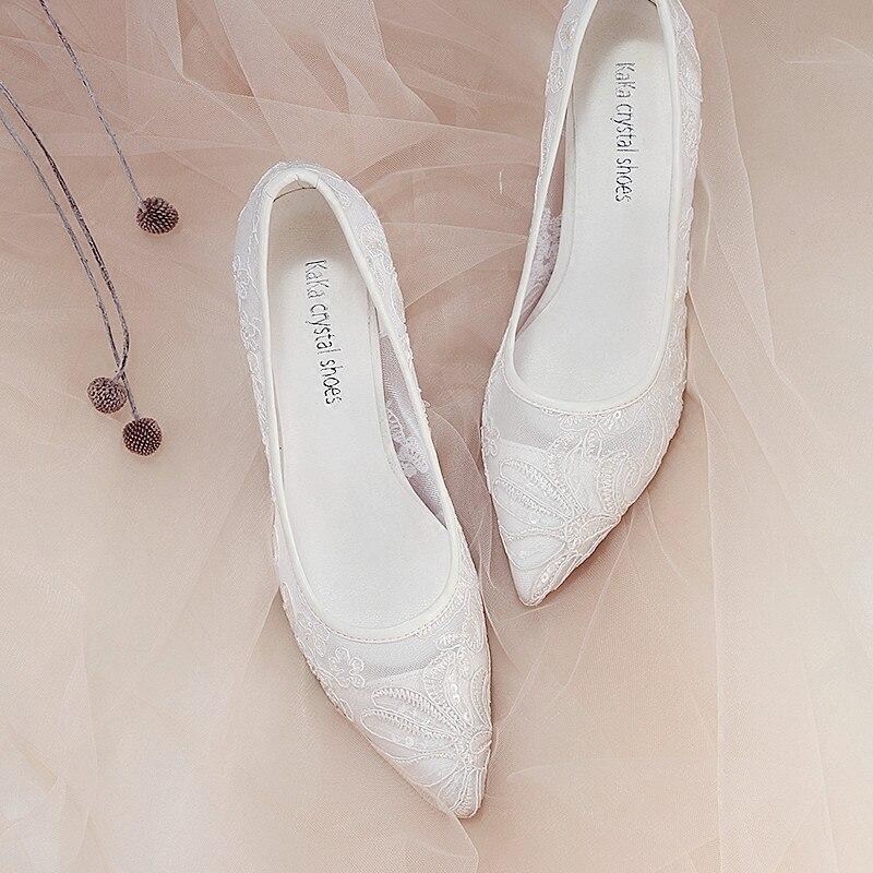 Bruiloft schoenen vrouwen voorjaar nieuwe ondiepe mond schoenen hoge hak maat wees bruids schoenen kant 2018 bruidsmeisje midden hak schoenen-in Damespumps van Schoenen op  Groep 2