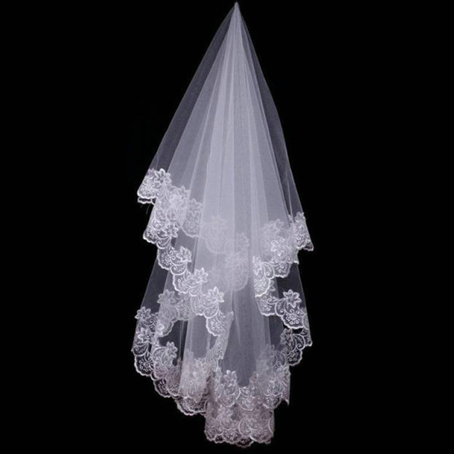 High Qulity Wedding Accessories Short White Ivory One Layer Bridal Veil Appliques Lace Edge Wedding Bride Bridal Veil