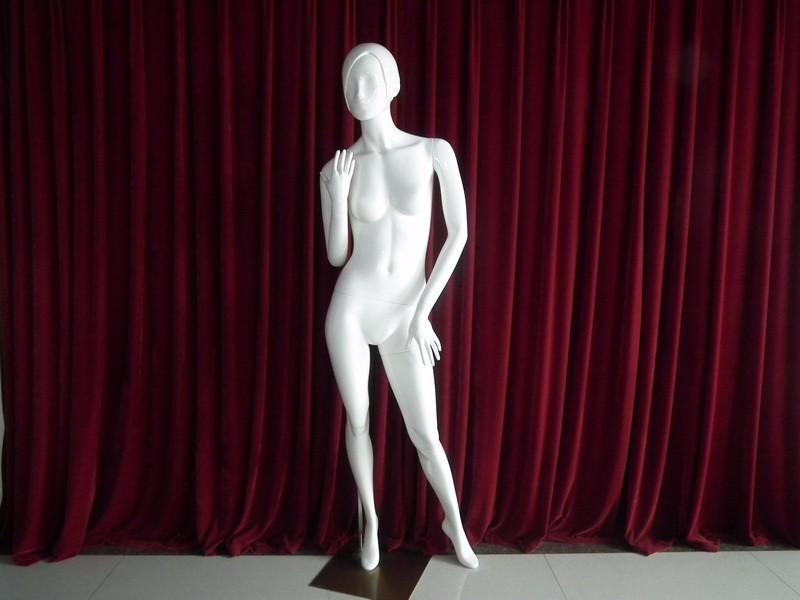 EMA-JG001X_mannequin_01