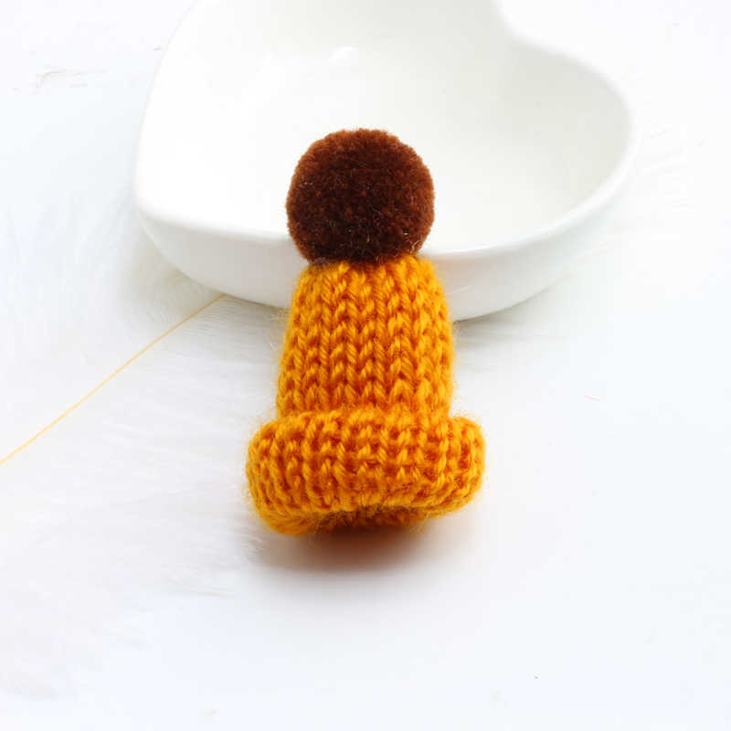 Cute Mini Colorful Woolen Knitted Hairball Hat Brooch Pins Cartoon Creative Hats Sweater Shirt Collar Badge Pin Fashion Jewelry