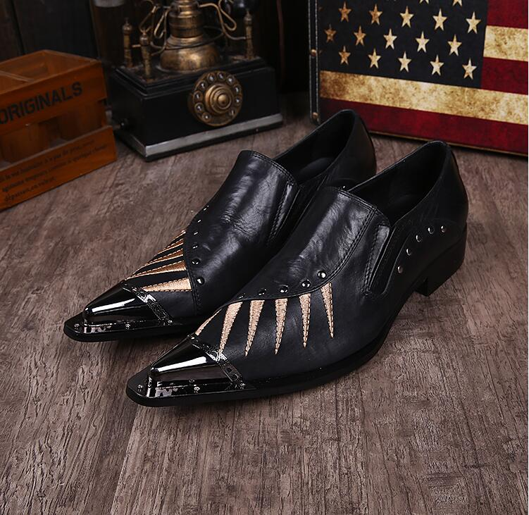 все цены на New Imitate Genuine Leather Men Oxford Shoes Pointed toes Slip-O Rivets Button Embroidered Retro Male Dress Shoes Iron Toes