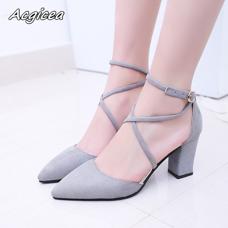 2019 spring new shoes female fashion sexy Pointed Toe pointed buckle high heels Korean wild shallow wedding shoes s0322019 spring new shoes female fashion sexy Pointed Toe pointed buckle high heels Korean wild shallow wedding shoes s032