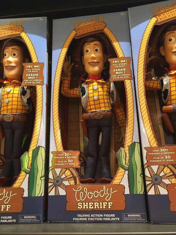... woody y Jesse puede hablar. Estas dos figuras de acción de juguete  leñosas y de acción pueden hablar. La última figura no puede hablar 35dc707e385