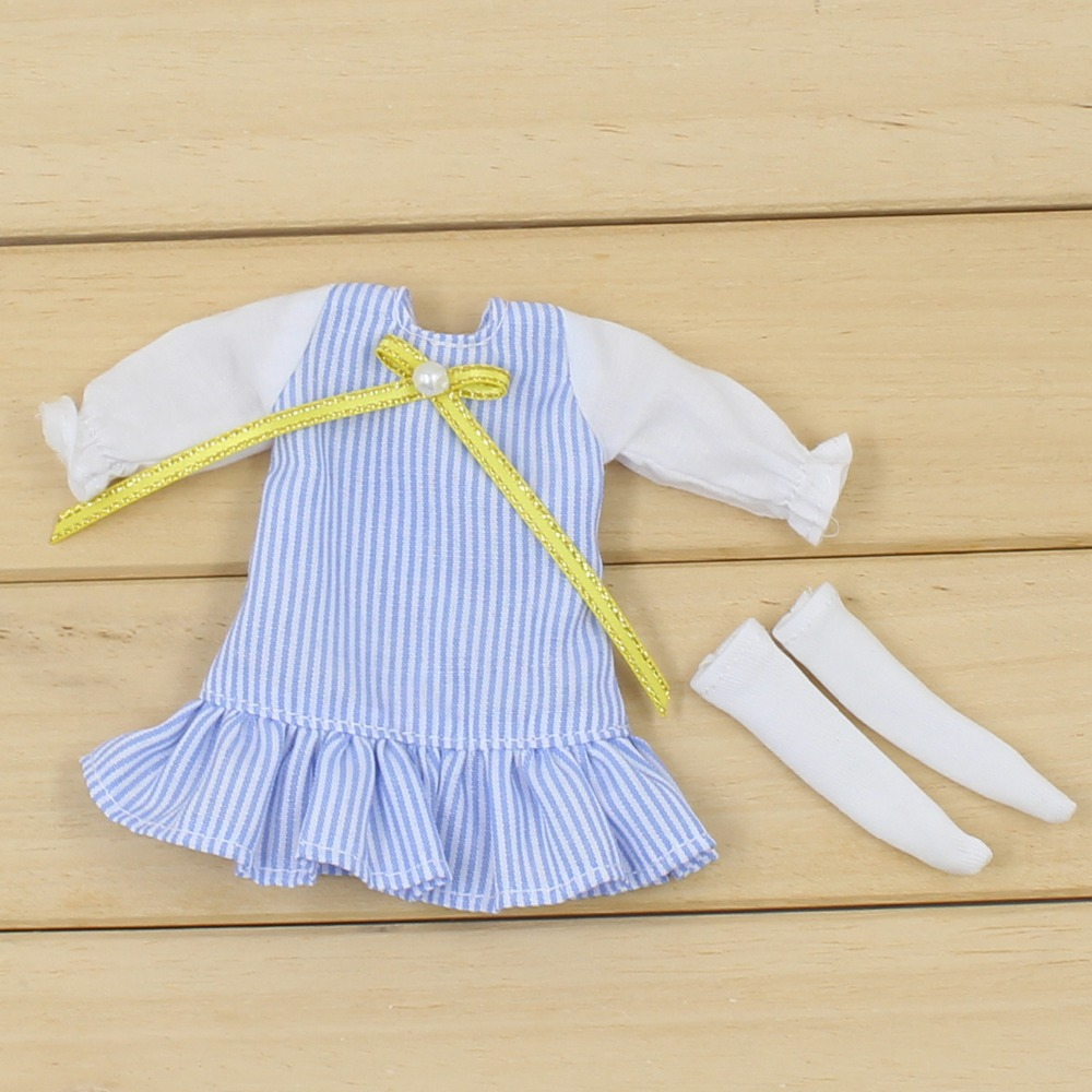 Middie Blythe Doll Blue Dress With Knot Bow Ribbon Stocking 4
