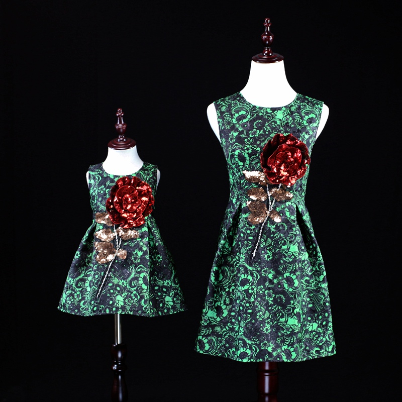 Mother and Daughter Christmas Dress Matching Women Girls Floral Family Clothing