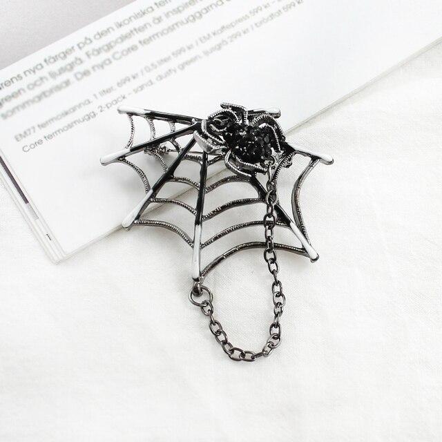 Di modo di Spider Spider web del Metallo Nappa Spille Del Fumetto insetto Nero Dei Monili Del Rhinestone Del Ragno per Le Donne Gli Uomini di Halloween Spille