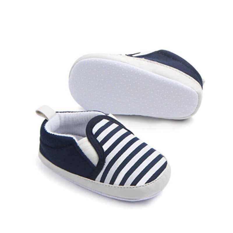 2017 جديد تماما عربة الوليد فتيات صغيرات يتدربن على المشي الفتيان الاطفال الرضع الأولى مشوا مخطط الأحذية الكلاسيكية المتسكعون أحذية ناعمة غير رسمية
