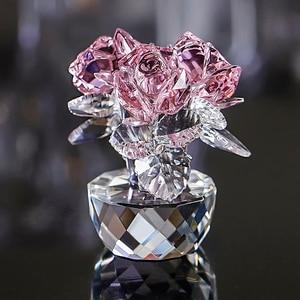 Image 3 - H & D الكوارتز الكريستال ثلاثة الورود الحرفية باقة الزهور التماثيل زخرفة المنزل حفل زفاف ديكور تذكارية عاشق الهدايا (الوردي)