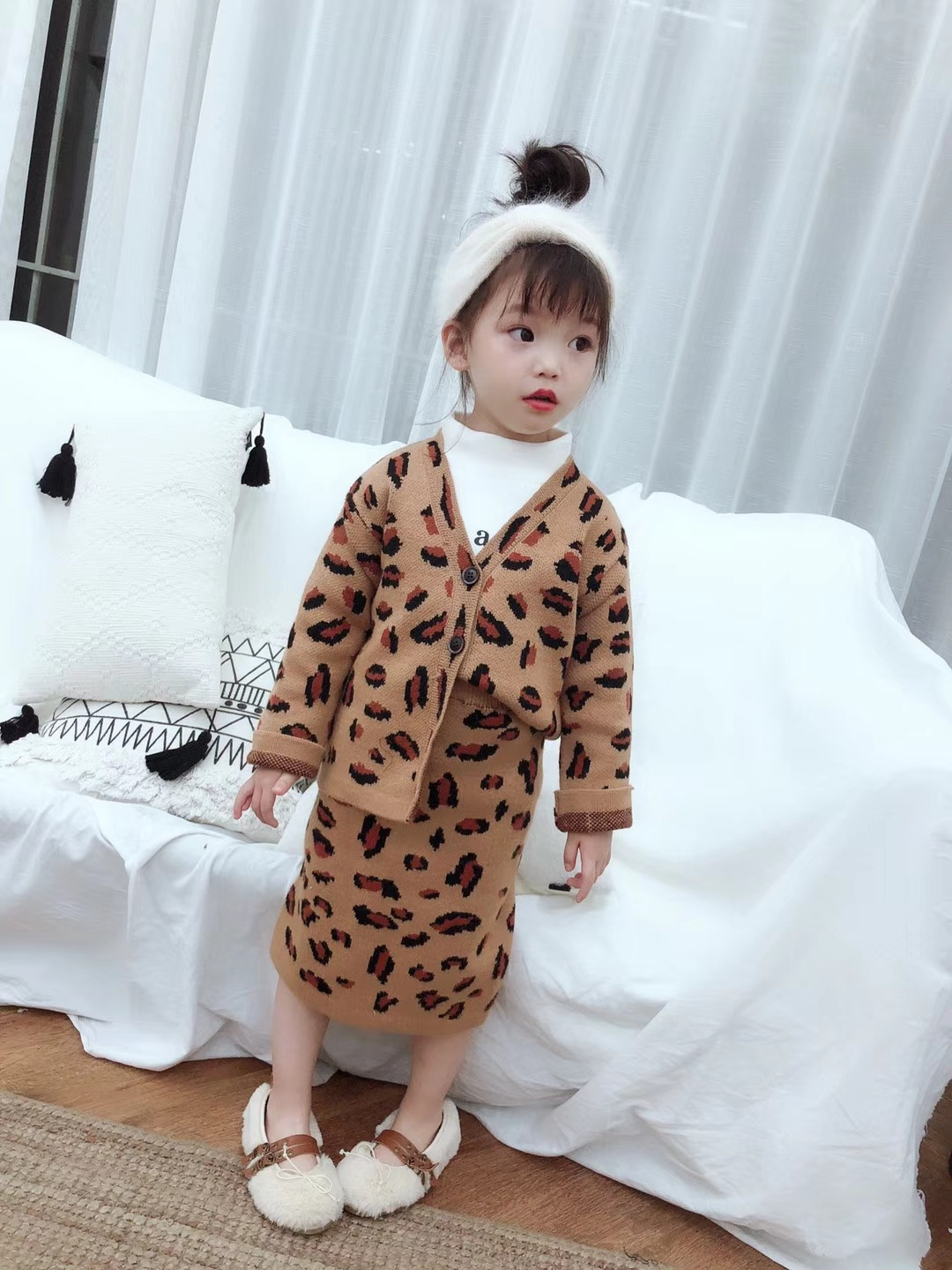 2018 Winter New Kids's Clothes Ladies Swimsuit Kids Sweater Cardigan Coat With Leopard Skirt Two-Piece Lip Print Sample