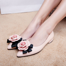 New Arrival Low Heel Sweet Women Pumps Fashion Flower Decorated Women Leather Shoes Spring/Autumn Slip On Elegant Women Pumps