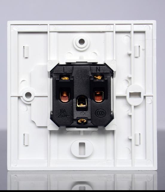 Stany zjednoczone zasilanie ścienne gniazdo wyjściowe przejściówka adapter ładowarka 250V 10A z pojedynczym gniazdem amerykański standard XT001 tanie i dobre opinie Domy ogólnego przeznaczenia Plac 86*86 mm Standardowy uziemienie Brak American standard socket White