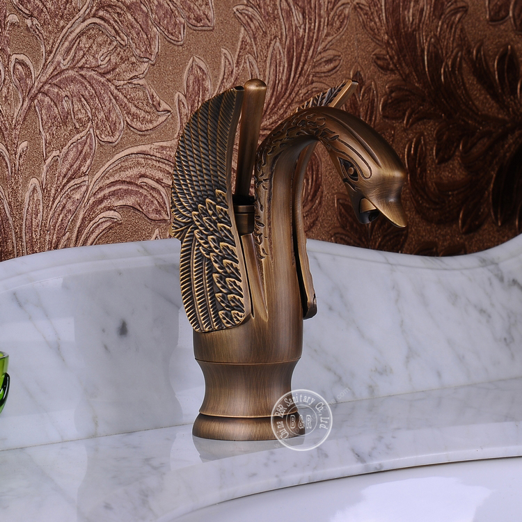 Фотография BECOLA New Antique basin Faucet  bathroom mixer taps animal shape swan brass tap cooper antique tap Free shipping  br-11103