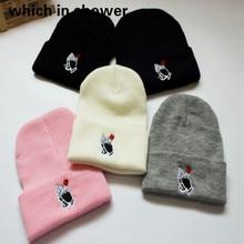 Skullies gorro de inverno para as mulheres bordados rosa na mão de inverno  tampão do chapéu dos homens chapéu de flores de malha. 9e869e01b16