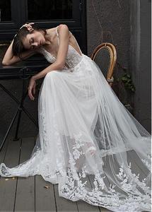 Image 4 - Fantastyczny tiul głęboki dekolt w szpic dekolt linia suknia ślubna z koronkowymi aplikacjami i paciorkami długa suknia ślubna suknie 2019