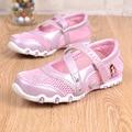 2016 Muchachas de Los Niños Zapatos Sandalias de La Princesa Niños de Dibujos Animados Dulce Solos Zapatos de Malla Transpirable Zapatillas de Deporte Ocasionales de Los Deportes