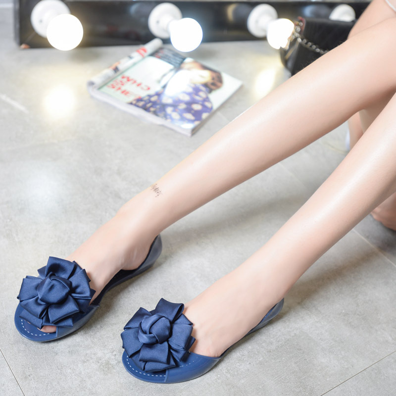 2017 Female Students All-match Flat Sandals Summer Jelly Shoes Soft Bottom Plastic Beach Shoes Bow Fish Mouth Shoes all summer long