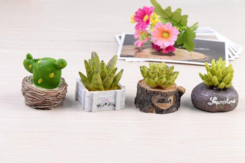 2pcs Christmas Decoration Cactus Succulent Miniatures Fairy Garden Gnomes Terrarium Bonsai Ornament Resin Craft Home Decor