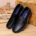 2016 Nueva Llegada de Los Hombres de Negocios Zapatos de Vestir de Cuero Casual Slip-on Transpirable Ocio Trabajo Zapatos de Los Planos Individuales Más El Tamaño UE 38-44