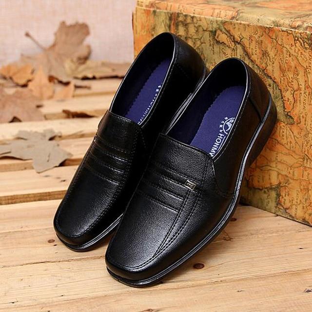 2017 Nieuwe Collectie Business Mannen Casual Lederen Jurk Instappers Ademend Leisure Werk Flats Enkele Schoenen Plus Size EU 38-44