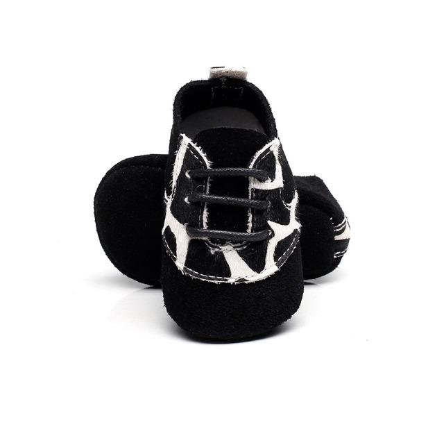 Comercio al por mayor 100 par/lote Nueva Primavera llegado 7 colores zapatos de bebé de cuero genuino mocasines de Diseño del patrón del leopardo zapatos de bebé únicos blandos