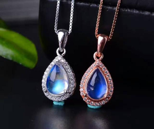 Natural azul piedra de luna colgante s925 Natural Colgante de piedras preciosas Collar de moda Clásico elegante gotas de agua joyería de las mujeres