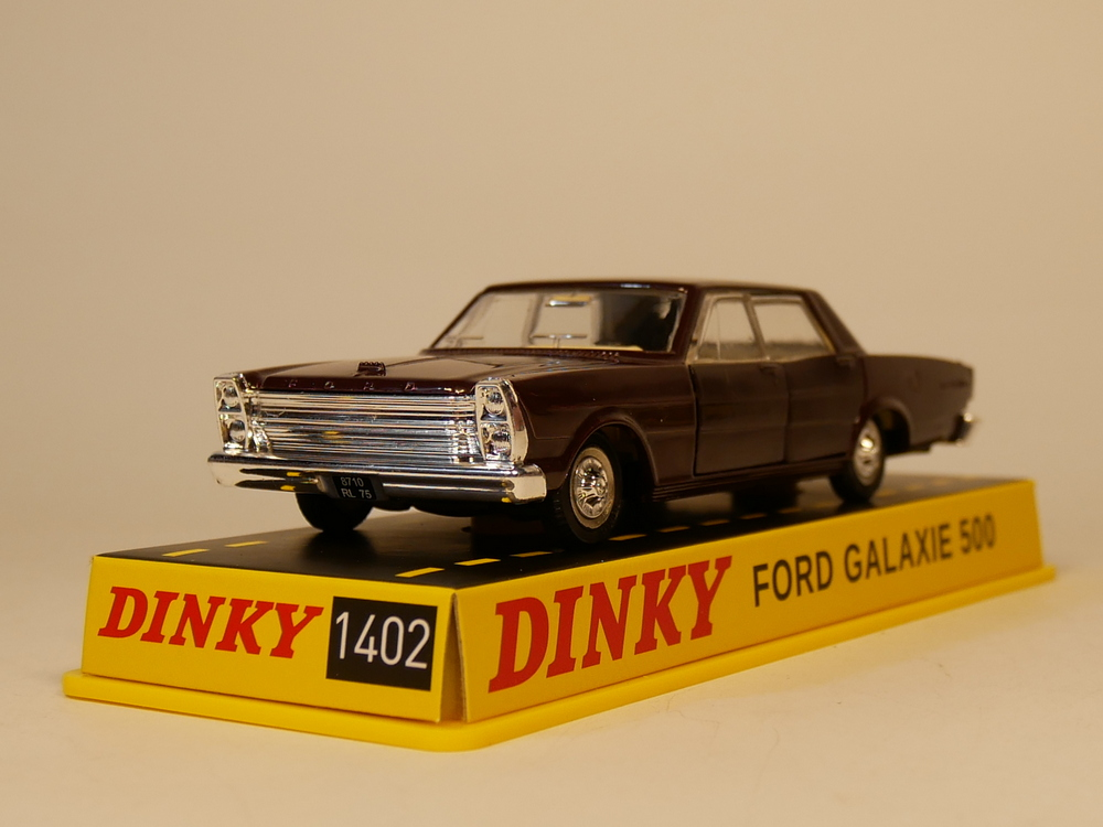 DINKY TOYS 1/43 FORD GALAXIE 500 DIECAST MODEL CAR
