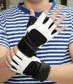 La primavera y el verano al aire libre masculinos guantes de fitness deportes semi-dedo blanco y negro personalidad de la moda de la aptitud antideslizante
