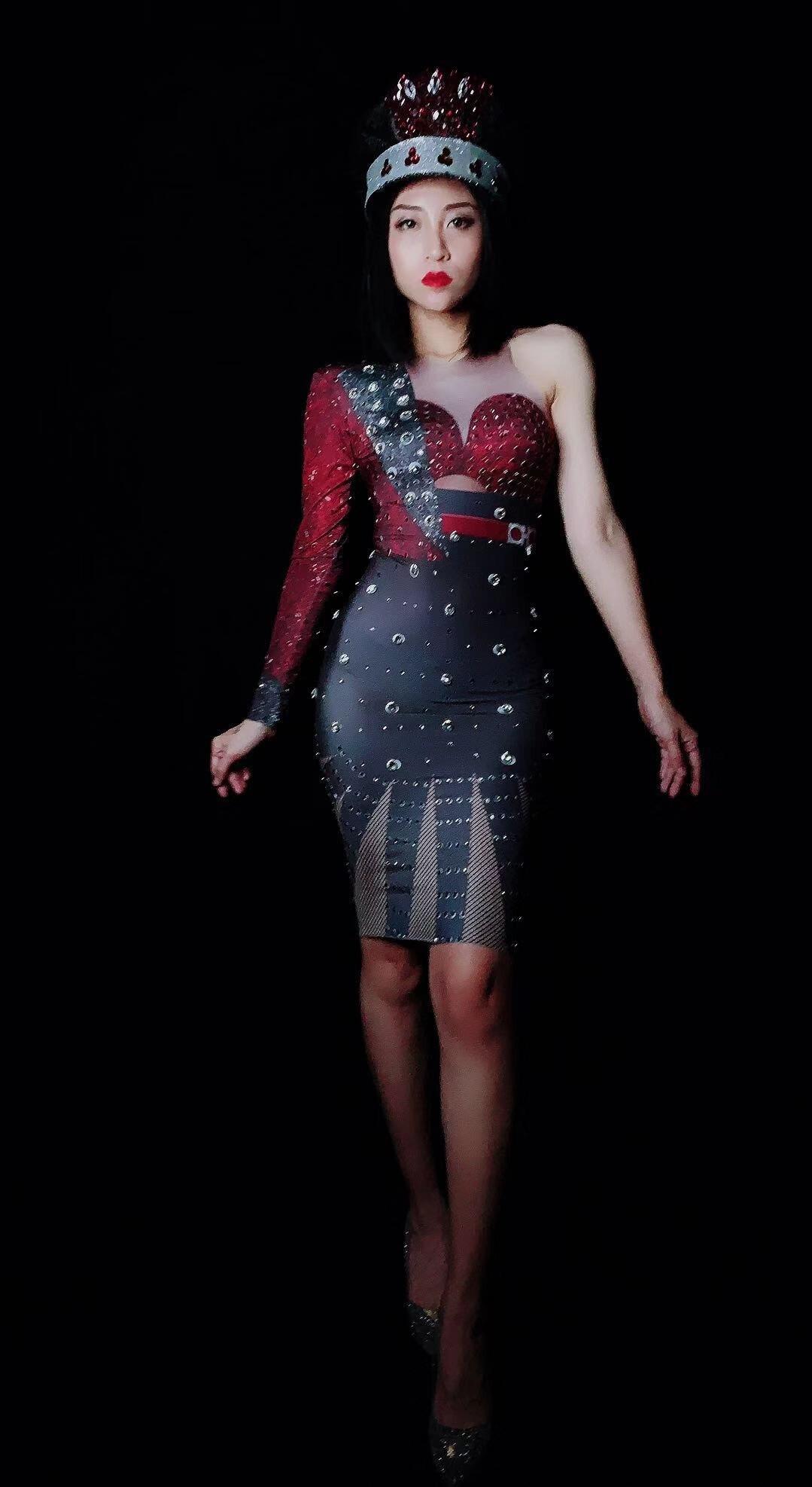 1552a322e4b Sexy Dress Bar De Parti Chanteuse Strass Danse Robe Scintillant Femmes  Costume La Discothèque D anniversaire ...