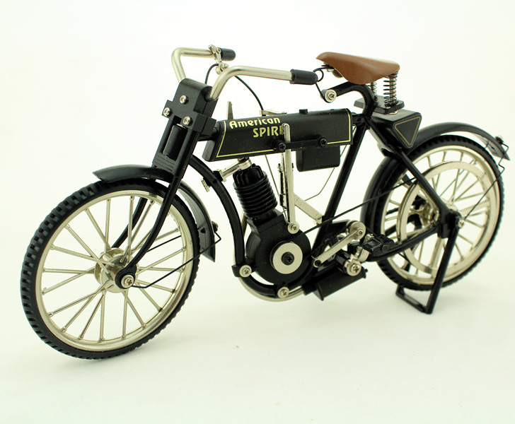 Model of American Early Motorcycle Locomotive In 1903