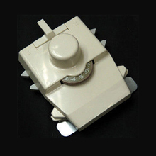 KA8210 Intarsia Carriage สำหรับ 4.5mm 5.6 Gauge Brother Creative Artisan เครื่องถัก KH860 KH864 KH868 KH940