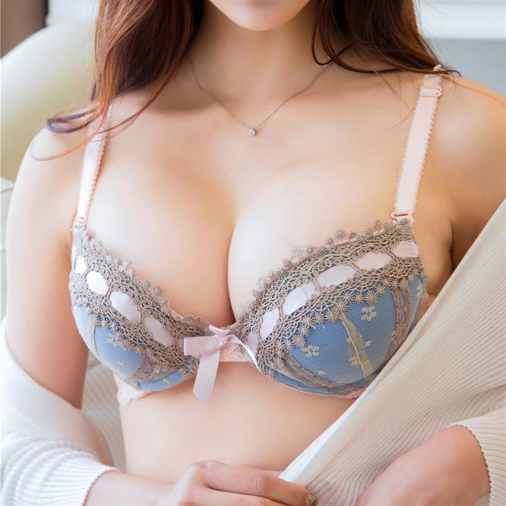 Женские груди под бельем, порно с пьяными волосатой пиздой