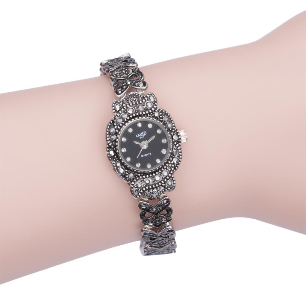 New Top Classic Black Titanium Silver Ladies Bracelet 4 Shape Jelly Dial Luxury Quartz Movement Women Dress Wrist Watch
