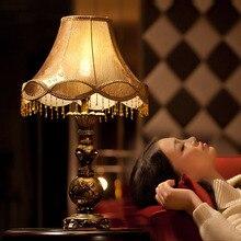 De style européen Jardin Rétro LED Table Lampe Étude Salon Literie Chambre Lampe de Table fabriqués à La Main modèle Européen livraison Gratuite