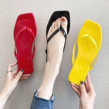 купить 2019 Women Slippers Summer Beach Slippers Flip Flops Sandals Home Outside Casual Sandalie Flat Square Open Toe Slippers Shoes по цене 659.3 рублей