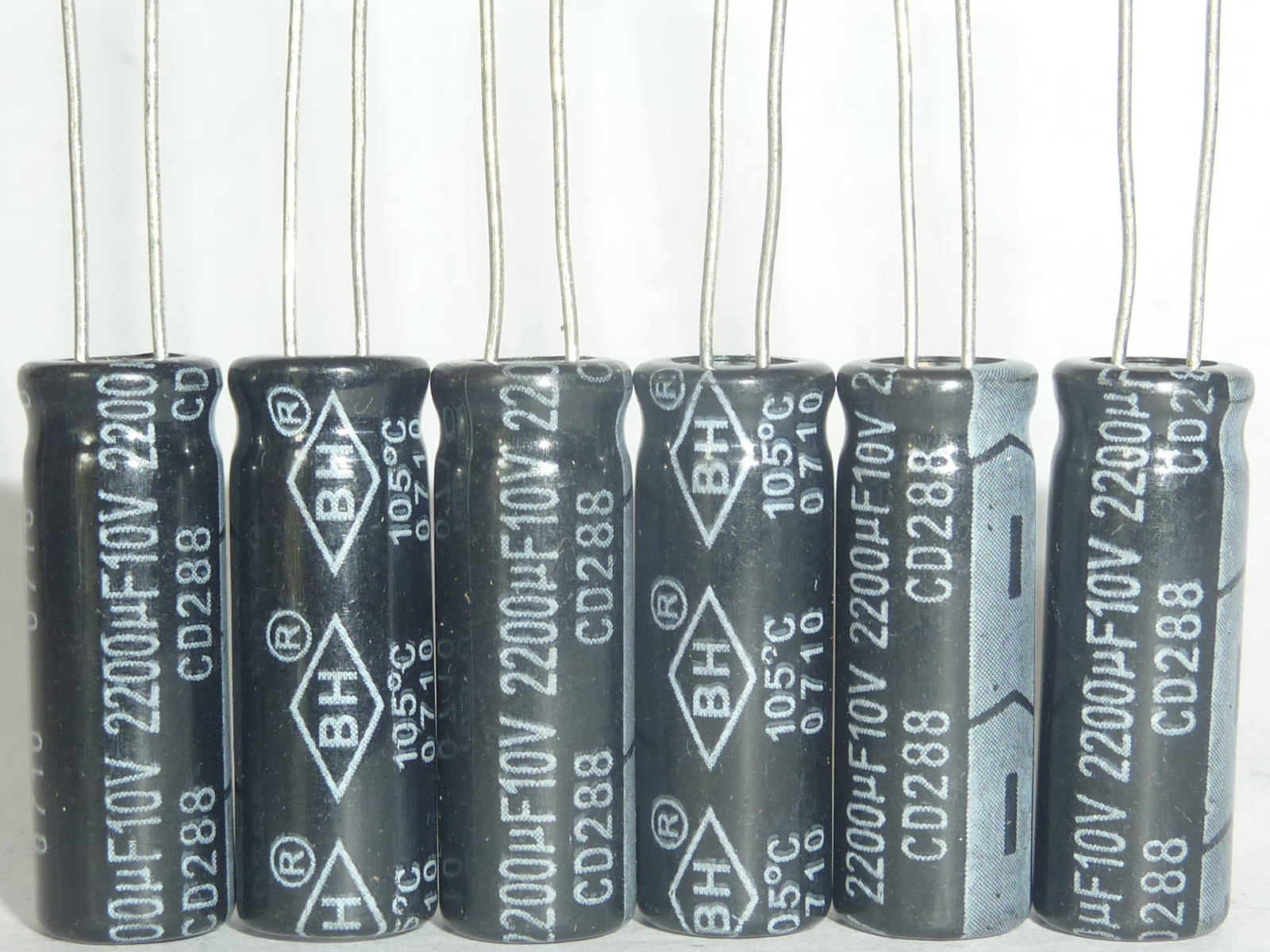 10pcs/100pcs 2200uF 10V BH CD288 8x25mm 10V2200uF Good Quality Aluminum Electrolytic Capacitor